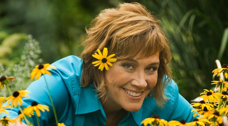 Melinda Myers in the flowers.