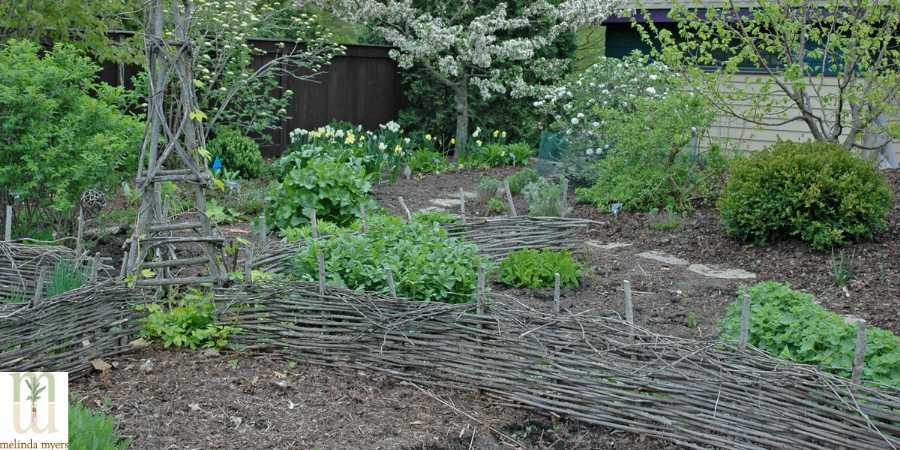Recycle Yard waste Wattle Fence