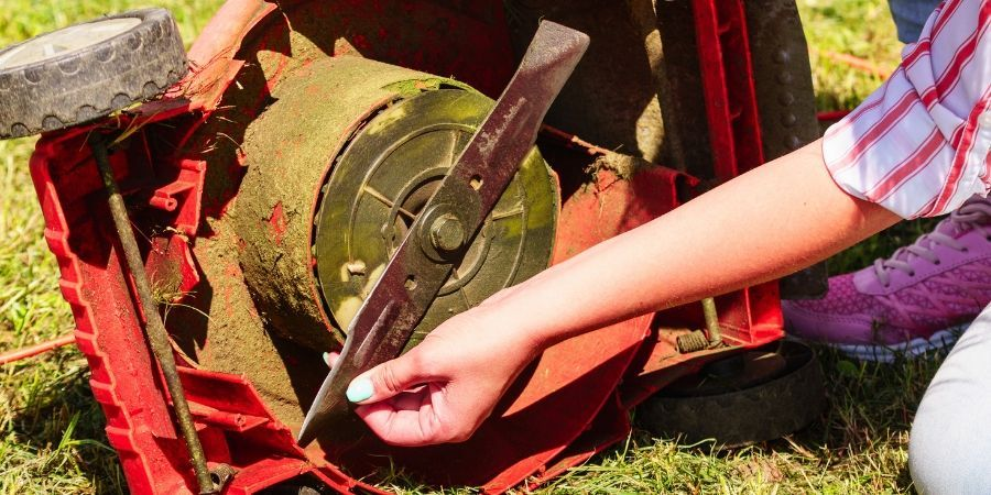 Sharpen Mower Blades in the Summer